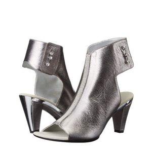 Onex sandals silver Tux Heeled 7.5